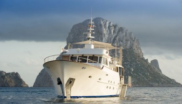 Admire Ibiza and the Balearic Islands on board of Monara