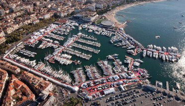 Enjoy the Yachting Festival of Cannes with the maximum confort