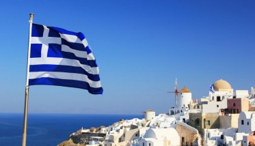 Greece, one of the most populars destinies for chartering a yacht on summer